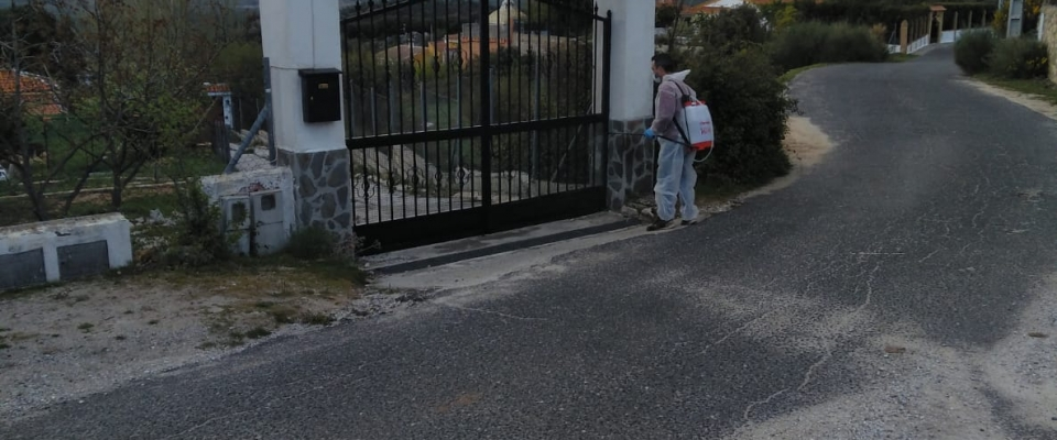 Continúan las tareas de desinfección del municipio de Huétor Santillán