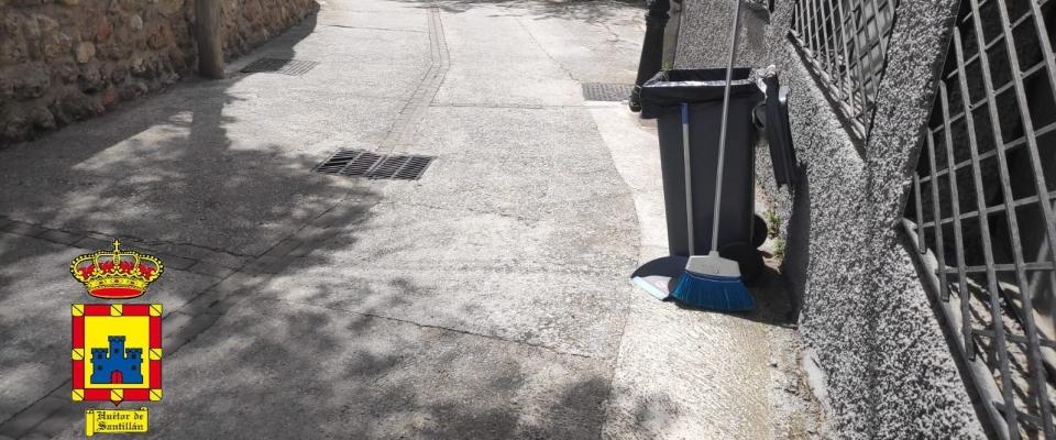 Tareas de limpieza de las calles de Huétor Santillán