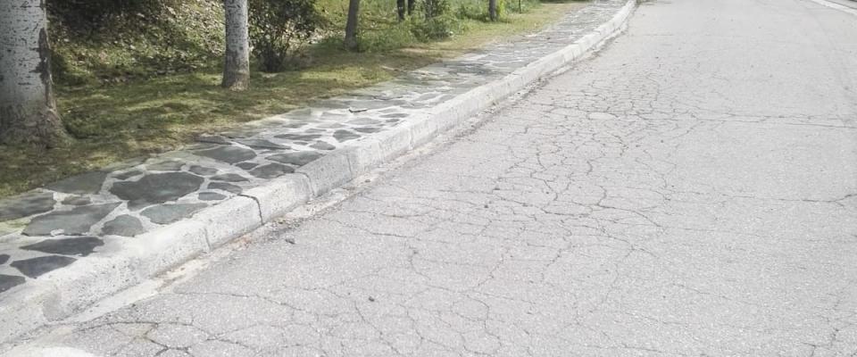 Continúan las labores de desbroce y limpieza del municipio