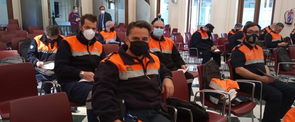 Voluntarios de la Agrupación de Protección Civil asisten al curso en Materia Sísmica