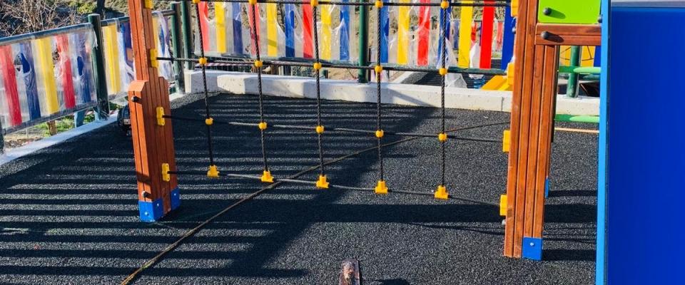 El Ayuntamiento de Huétor Santillán avanza en las obras del parque infantil en la Sotanilla