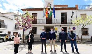 El Presidente de la Junta de Andalucía ha visitado Huétor Santillán