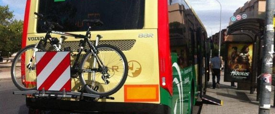 Los ciclistas podrán traer sus bicis en el autobús de Huétor para recorrer la Sierra