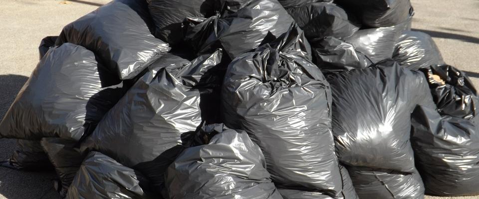 Nota informativa sobre la basura en Huétor Santillán