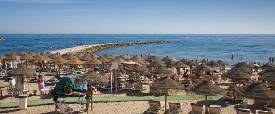 Vacaciones en Marbella para 55 jubilados de Huétor