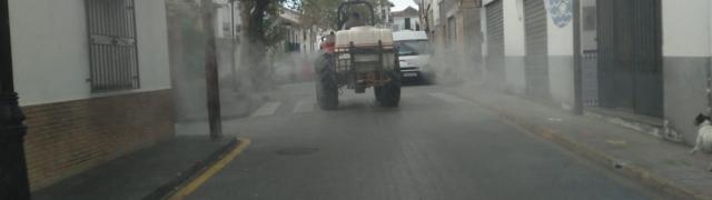 Labores de desinfección de las calles del municipio