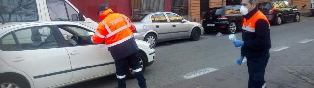 Segunda jornada de apoyo en el reparto de mascarillas en Granada