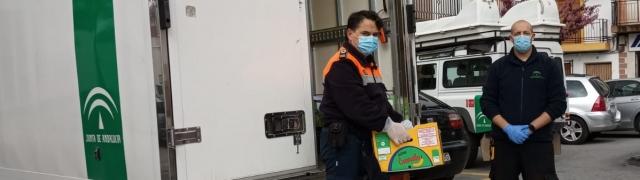 Huétor Santillán entrega 1.100 batas a los hospitales