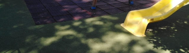 Limpieza de los parques en Huétor Santillán