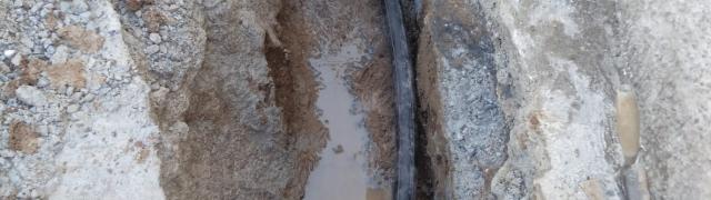 Arreglo de tubería averiada en el Molino Alto