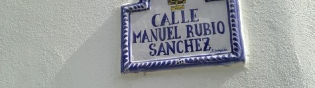 Colocación de placas de cerámica en las calles